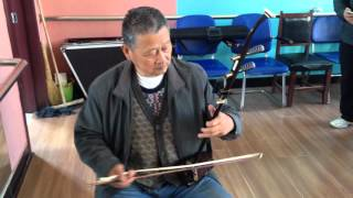 Liaoyang China  City new picture : Erhu player, dance class community center Liaoyang