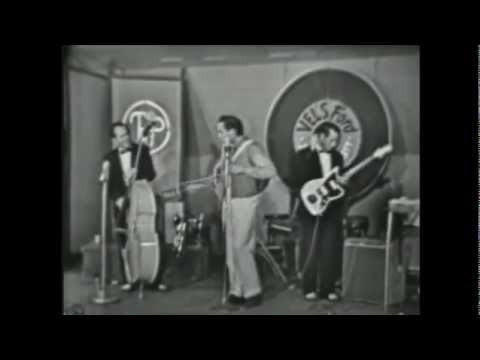Johnny Cash impersonates Elivs!
