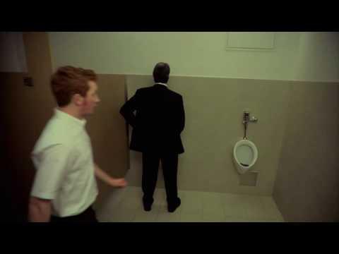 Funny Super Bowl Ads 2009, Bathroom Misfire