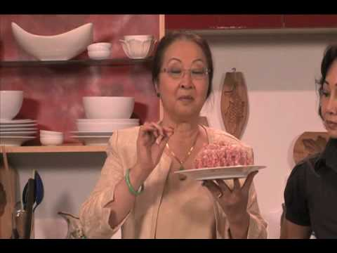Banh Gio- Vietnamese rice and pork pyramids -Uyen Thy's Cooking