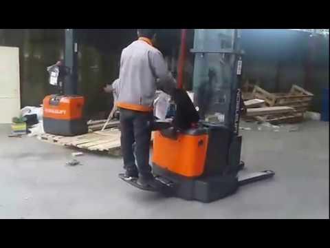 Sử dụng xe nâng điện tự động Noblelift PS1330, PS1646