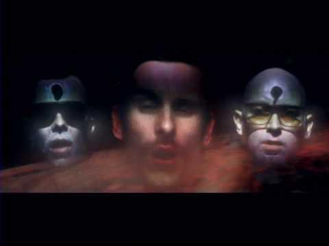 Tekst piosenki I Monster - Who Is She po polsku