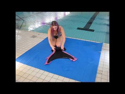 Flosse und Tail richtig  anziehen und schwups ist man eine Meerjungfrau