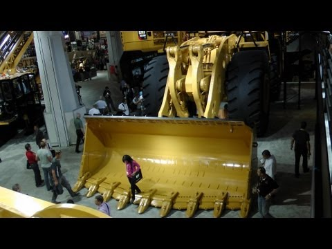 Caterpillars biggest wheel loader 994H