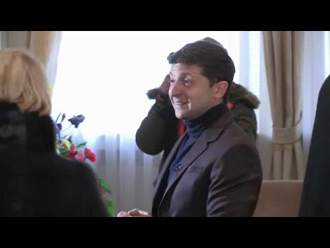 Ukraine: Komiker Selenski im Präsidentschaftsrennen vorn