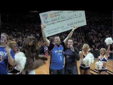 Video: A priceless $20,000 halfcourt shot