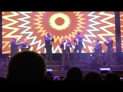 Straight No Chaser - Group intros and James Brown Medley