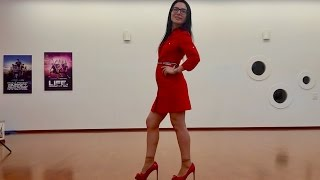 Video How To Walk Like a Lady (Before / After Video) MP3, 3GP, MP4, WEBM, AVI, FLV Juni 2018