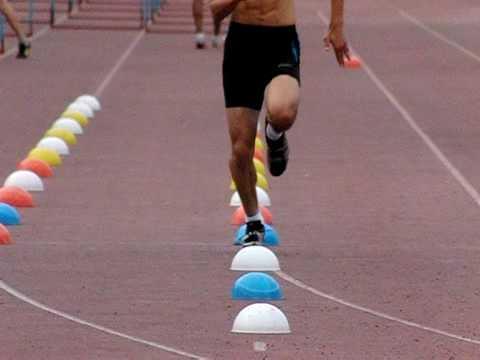 """【つま先を前に向ける意識は逆効果かも…】トップ選手から学ぶ、""""内転筋""""を使った効率的走り方!"""