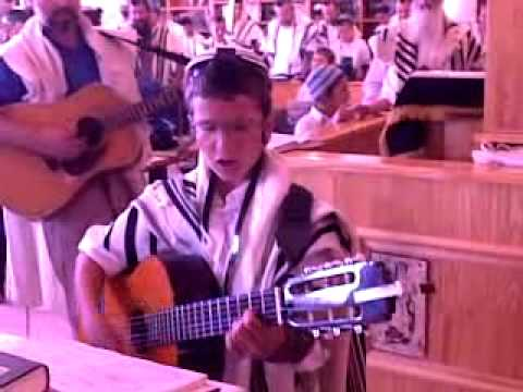 Post Thumbnail of VIDEO- Jewish West Bank settler worship hits fervent pitch
