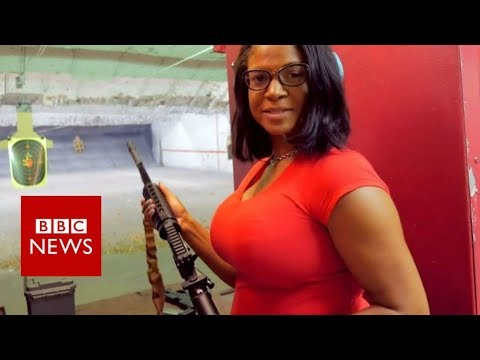 Why this US woman is backing minority gun clubs - BBC News (видео)