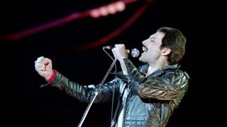 We Will Rock You (fast version) - Queen Live in Montreal 1981 HD