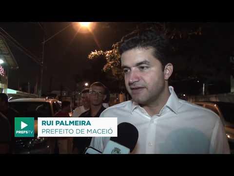 Rui Palmeira entrega avenida pavimentada na Serraria