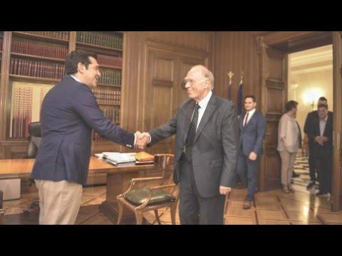 Με αναφορές ανησυχίας για το Brexit η συνάντηση Τσίπρα-Λεβέντη