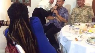 "Video lucu LIMBAD menyanyi duet "" Betharia sonata "" MP3, 3GP, MP4, WEBM, AVI, FLV Agustus 2018"