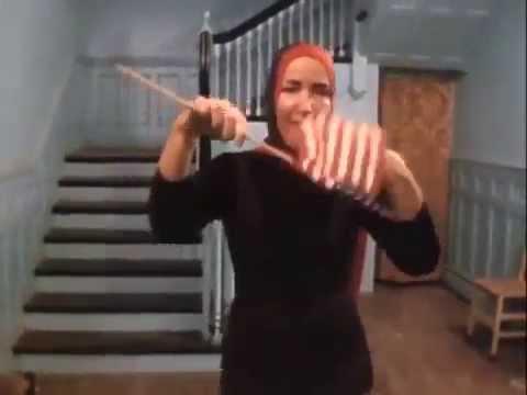 Little Edie's Patriotic Dance (видео)