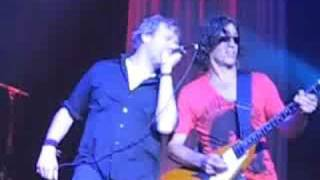 The Spin Doctors perform Little Miss Can't Be Wrong live at the Glass Cactus in Dallas 8/29/08.