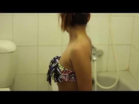 gratis download video - photoshoot-model-bugil-ratri-putri-lagi-mandi