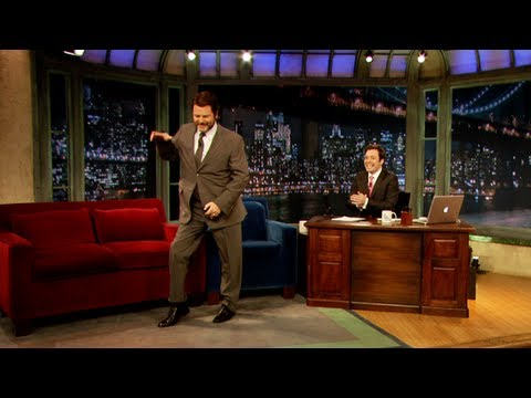 Nick Offerman visar lite dancemoves