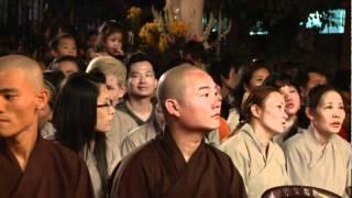 ChùaTrungNghĩa Đại Lễ Phật Đản 2012 Lạy Phật Quan Âm (Thầy Pháp Như) Phần 17