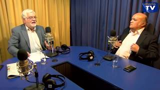 Juan Pablo Cárdenas conversa con Genaro Arriagada