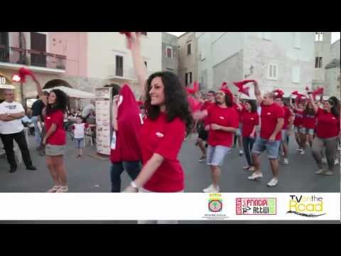 Flash Mob Avis Trani: Dona con Amore