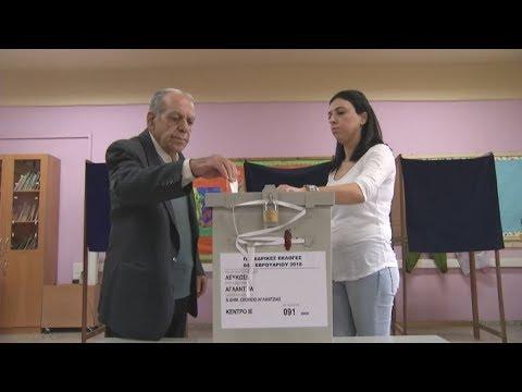 Kρίσιμη μάχη Αναστασιάδη-Μαλά για την προεδρία της Κύπρου