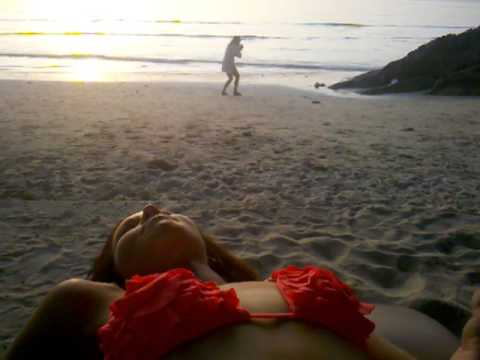 Sunset on Kai Bae Beach (and a weirdo taking pictures of a clock)