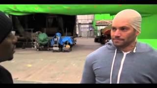 Nonton LOL: Paul Walker Imitates Vin Diesel On The Set Of 'Fast & Furious':