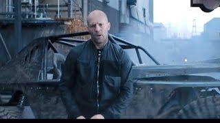 車ごとトラックへ豪快なダイブ!/映画『ワイルド・スピード/スーパーコンボ』カーチェイス映像