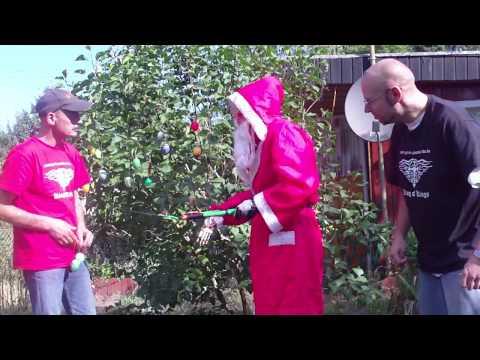 Wenn Weihnachten und Ostern auf einen Tag im Sommer fallen (Lustige Videos zum totlachen) Sketch