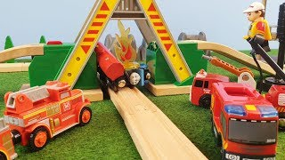 Thomas and Friends Bridge Crash Fire Brio Trains Wooden Railway Toy The Train Tank Engine Toys