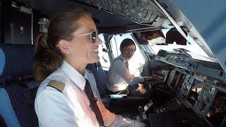 Video Airbus A380 - Two female double decker pilots (planestream.de) MP3, 3GP, MP4, WEBM, AVI, FLV Juli 2019