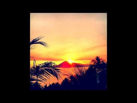 Kenny Bobbien - The Light (DK Edit of Ian Friday Remix) (видео)