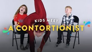 Video Kids Meet a Contortionist | Kids Meet | HiHo Kids MP3, 3GP, MP4, WEBM, AVI, FLV Februari 2018