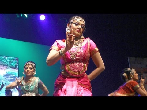 Video Shobana's dance performance at the 11th CIFF download in MP3, 3GP, MP4, WEBM, AVI, FLV January 2017