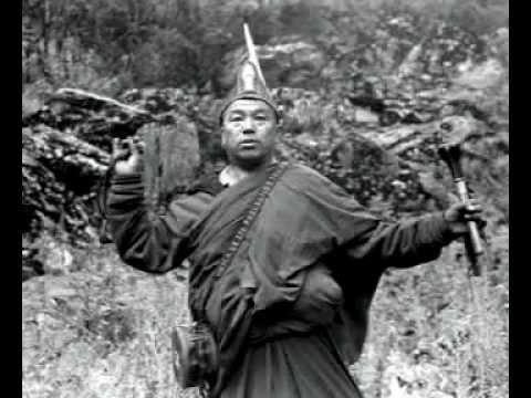 """, title : 'Franco Battiato interpreta un testo sacro tibetano di autosacrificio rituale (""""chod"""").'"""