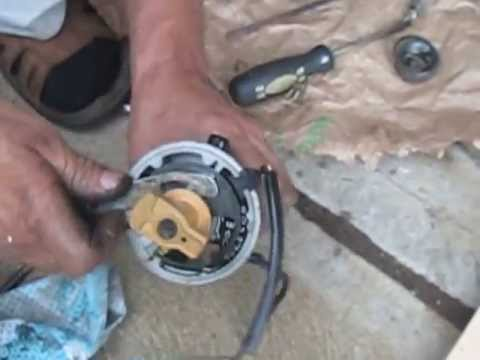 1975 Mercury 115hp 1150 Outboard Distributor and Trigger Disassembly