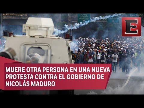 Miles de opositores marchan en Venezuela entre estallidos de violencia