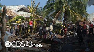Video Indonesia earthquake, tsunami: Aid not arriving fast enough MP3, 3GP, MP4, WEBM, AVI, FLV Desember 2018