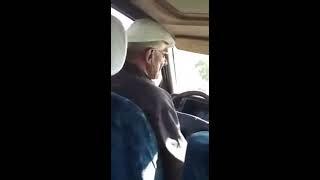 Дед-таксист из Тараза жжет