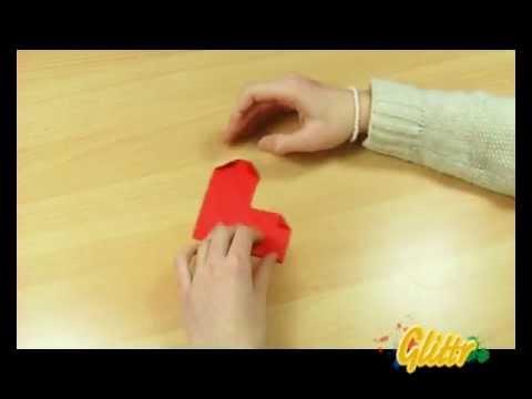 Anleitung Papier falten: Herz falten