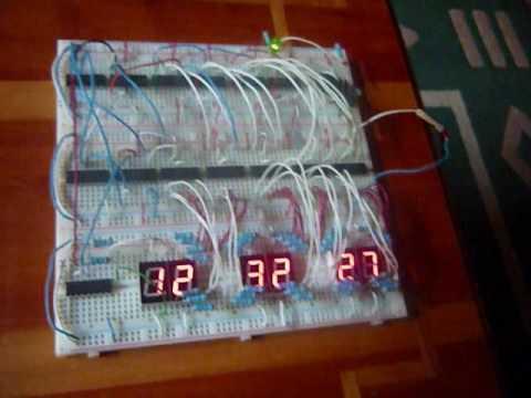 reloj digital armado en el ITA en Ingenieria Mecatronica