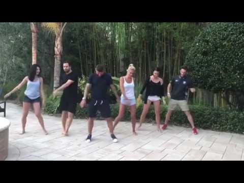 Nocerino show: balli di gruppo per Papu Gomez!