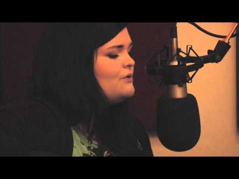 Doogan - Our Scottish Fiction Session guest on 2nd October 2013, was the talented songstress Julia Doogan. Appearing in the Pulse 98.4 studios sans her backing band T...