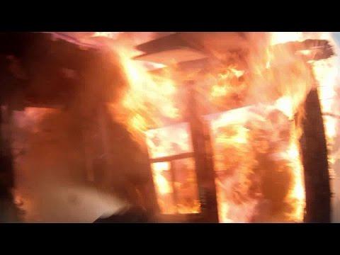 Огненный ад, горит частный дом