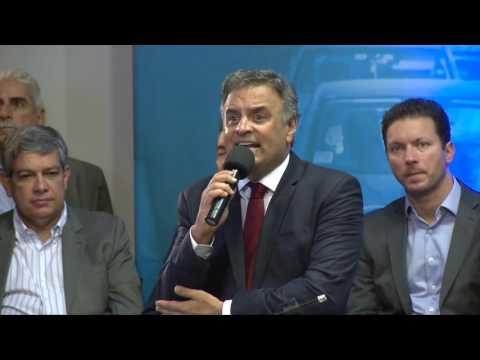 Aécio pede a prefeitos eleitos pelo PSDB que priorizem investimentos para mais pobres