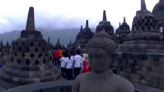Young Guardian Club Borobudur. Jóvenes activos luchando por conservar la historia.