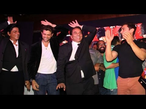 hrithik - Recently at the music launch of Yamla Pagla Deewana 2, Shah Rukh, Hrithik and Aamir were seen shaking their leg with Dharmendra. For more Bollywood: Log on t...