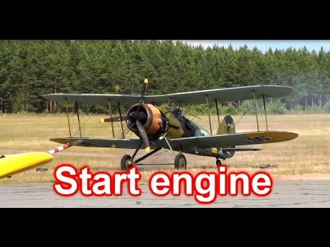 Gloster Gauntlet Mk II Start Engine!...